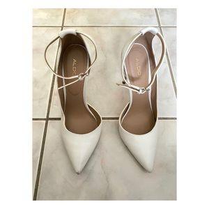 Aldo white pointed toe heels